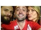 Bruno Gagliasso posta foto ao lado da mulher e de Paulo Gustavo