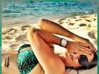 Guilhermina Guinle posa para foto em praia