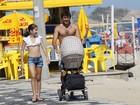 Ex-jogador Leonardo passeia com os filhos na orla do Rio
