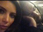 Só love: Kim Kardashian posta fotos paparicando o rapper Kanye West