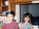Demi Lovato posta foto da infância e relembra amigo já falecido