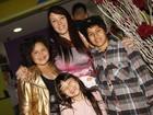 Simony leva os filhos a festa infantil em São Paulo