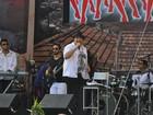 Elenco de 'Salve Jorge' curte show de Tiago Abravanel no Alemão, no Rio