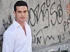 Sidney Sampaio comemora papel em 'Salve Jorge' e se derrete pelo filho