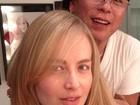 Angélica posa sem maquiagem com Celso Kamura: 'Cuidando da beleza'