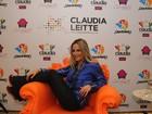Claudia Leitte visita hotel com seu nome em Salvador