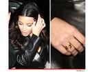 Kim Kardashian usa anel com iniciais de Kanye West