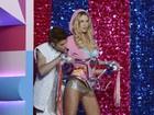 Animadinho, Justin Bieber dá conferida em modelos