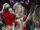 Alessandra Ambrósio, Adriana Lima e mais angels desfilam de lingerie