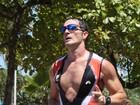 Saradíssimo, ex- BBB Ralf disputa prova de triathlon em Santos