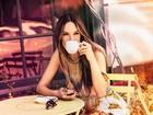 Alessandra Ambrósio posa exuberante para grife de roupas