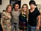 Zezé Di Camargo e Zilu posam juntos após gravação do DVD de Wanessa