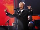 Grande homenageado da noite, Caetano canta no Grammy Latino