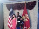 Kim Kardashian acompanha fuzileiro naval em baile militar