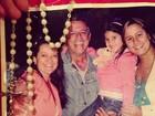Filha de Marcos Paulo posta foto antiga com o pai e agradece carinho