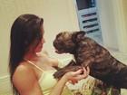 Gracyanne Barbosa brinca com cachorro e posta foto em rede social