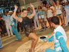 Na ausência de Sabrina Sato, Andréa de Andrade reina na Vila Isabel