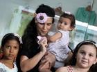 Aline Barros realiza oficina de artes para crianças em shopping do Rio