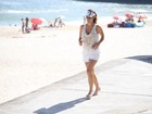 Mãe e atleta: Fernanda Pontes corre, faz stand-up paddle e brinca com filha