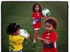 Filhas de Ronaldo prestigiam jogo do pai em São Paulo