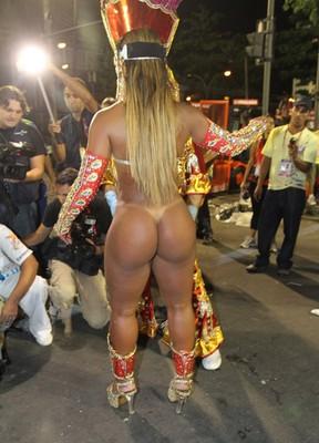 foto brasilena tanga playa: