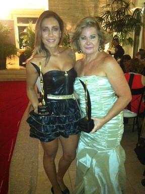 Ex-BBB Lia Khey é homenageada em premiação em São Paulo (Foto: Divulgação)