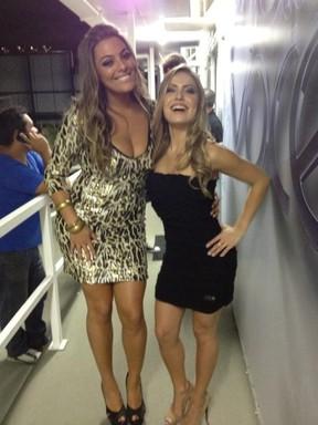 Monique e Renata (Foto: Reprodução/ Twitter)