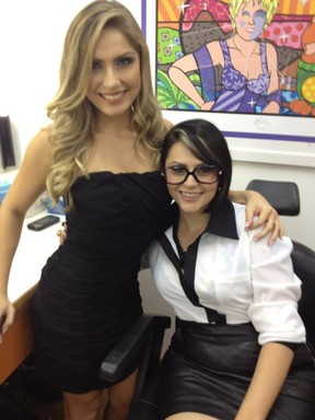 Renata e Mayara (Foto: Reprodução/Twitter)