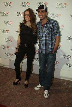 Latino com a namorada Rayanne em show de Joe Cocker no Rio (Foto: Fábio Martins/ Ag. News)