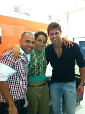 ex-BBB Jonas com Rodrigo Sant'Anna e Thalita Carauta (Foto: Twitter/ Reprodução)