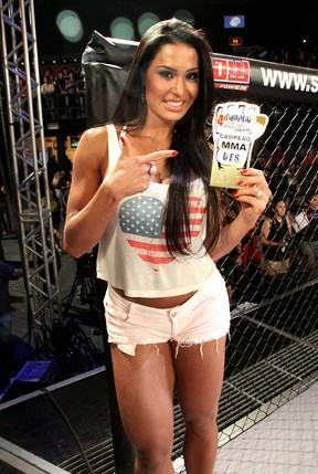 Gracyanne Barbosa participa de competição de MMA em casa de shows no Rio (Foto: Daniel Pinheiro/ Divulgação)