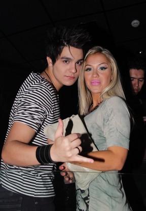 Luan Santana com a panicat Carol Belli em show de Bruno e Marrone em São Paulo (Foto: Milene Cardoso/ Ag. News)