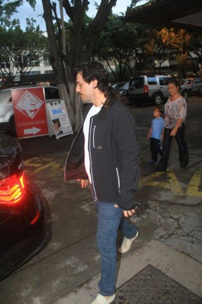 Rodrigo Lombardi alongou o cabelo (Foto: Delson Silva/Agnews)