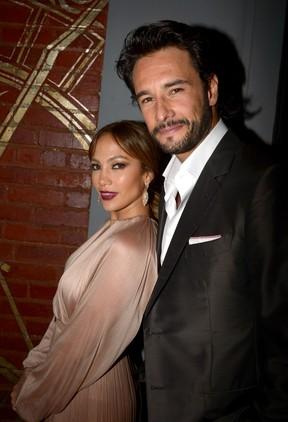 Jennifer Lopez e Rodrigo Santoro na première do filme 'O Que Esperar Quando Está Esperando' em Los Angeles, nos Estados Unidos (Foto: Getty Images/ Agência)