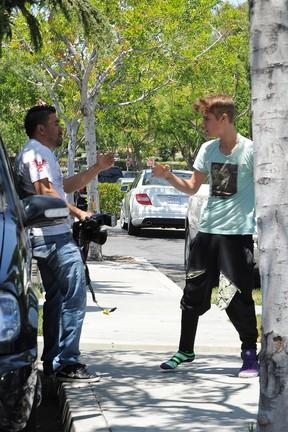 Justin Bieber em Calabasas, na Califórnia, nos Estados Unidos (Foto: Grosby Group/ Agência)
