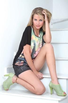 Debby Ladranha em ensaio para revista (Foto: Helmut Hossmann/ Revista Styllus)