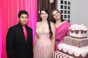 Fabiana Karla festeja 15 anos da filha mais velha (Foto: Ricardo Policarpo)