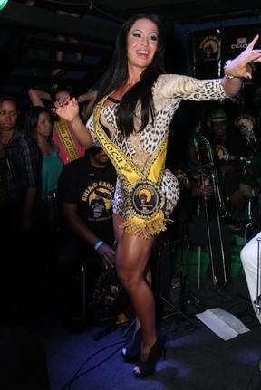 Gracyanne Barbosa em boate no Rio (Foto: Anderson Borde/ Ag. News)