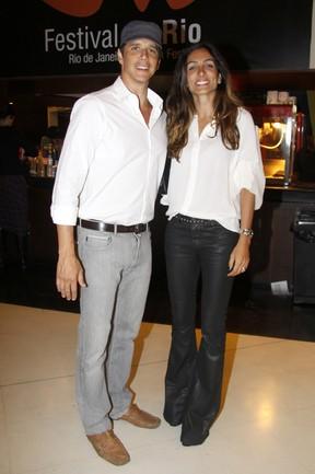Márcio Garcia e a mulher Andréa Santa Rosa em cinema no Rio (Foto: Felipe Assumpção/ Ag.News)