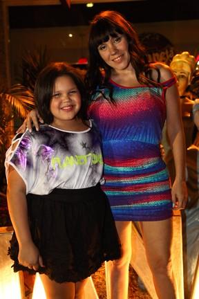 Simony com a filha Aysha em festa em São Paulo (Foto: Manuela Scarpa/ Foto Rio News)