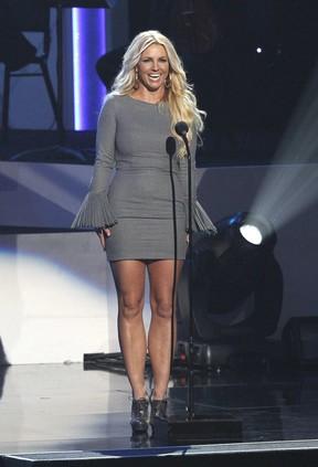 Britney Spears em tributo a Whitney Houston nos EUA (Foto: Mario Anzuoni/ Reuters/ Agência)