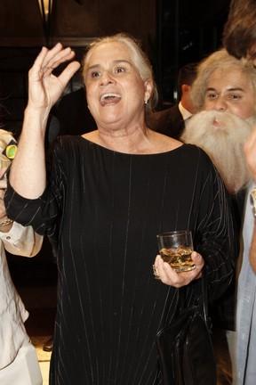 Vera Holtz  em festa no Rio (Foto: Isac Luz/ EGO)
