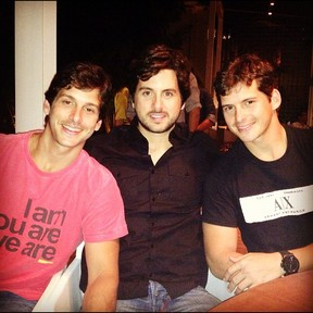 Márcio Pedreira comemora aniversário com os irmãos (Foto: Instagram/ Reprodução)