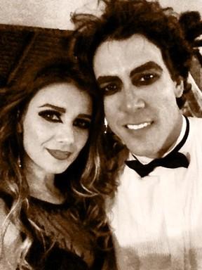 Paula Fernandes e o namorado Henrique