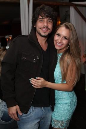 Carla Diaz com Guga Sabatie em seu aniversário no Rio (Foto: Anderson Borde/ Ag. News)