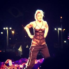 Madonna em show no Rio em foto postada por Hugo Gloss (Foto: Instagram/ Reprodução)