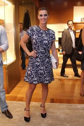 Carolina Dieckmann na inauguração da Louis Vuitton, no VillageMall, no Rio (Foto: Anderson Borde e Philippe Lima/AgNews)