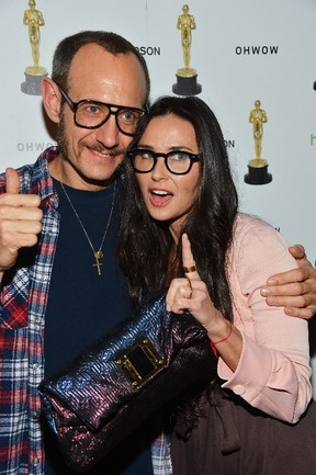 Terry Richardson e Demi Moore (Foto: FRAZER HARRISON/GETTY IMAGES NORTH AMERICA/AFP)