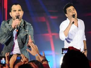Luciano e Zezé Di Camargo em show que comemora os 20 anos de carreira da dupla (Foto: Francisco Cepeda / Ag. News)