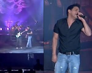 Zezé Di Camargo cantando sozinho no palco (Foto: Reprodução/Reprodução)